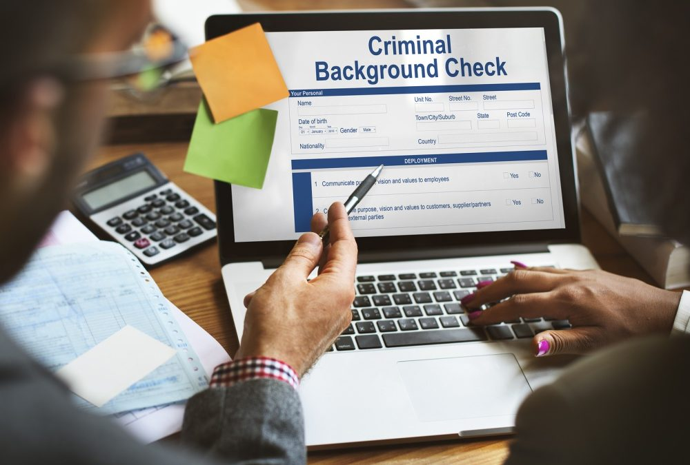 How Running a Criminal Record Check on New Hires Can Help a Business