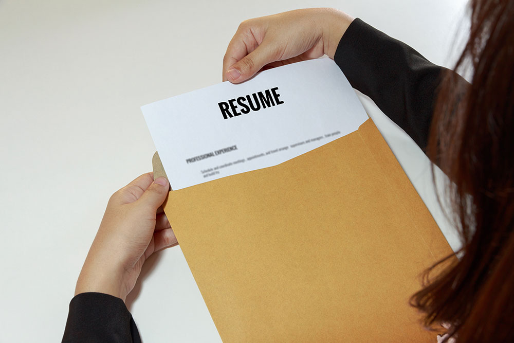 Job Search Tips: How To Stand Out With Your Cover Letter